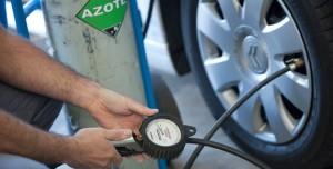Gonflage des pneus à l'azote : Du vent ?